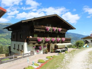 9 bedroom Farmhouse near Uttendorf, Pinzgau, Austria