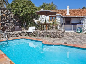 2 bedroom Farmhouse near Granadilla, Tenerife, Canary Islands