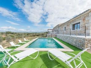 4 bedroom Apartment near Sineu, Mallorca, Spain