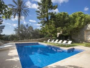 6 bedroom Villa near Lloseta, Mallorca, Spain