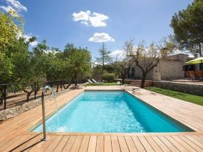 2 bedroom Apartment near Selva, Mallorca, Spain