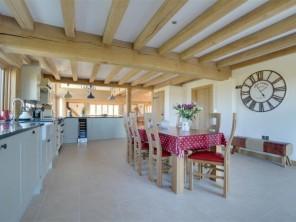 8 bedroom Farmhouse near Tenterden, Kent, England