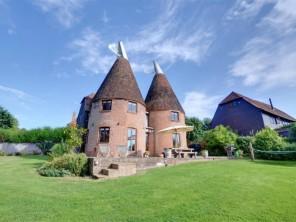 5 bedroom Farmhouse near Sissinghurst, Kent, England
