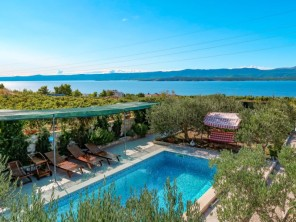 3 bedroom Apartment near Brač/Splitska, Central Dalmatia, Croatia