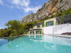 3 bedroom Villa near Makarska, Central Dalmatia, Croatia