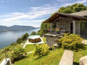2 bedroom Apartment near Cannero Riviera, Piedmont, Italy