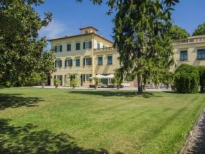 15 bedroom Villa near San Giuliano Terme, Tuscany, Italy