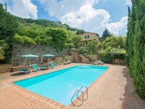 3 bedroom Apartment near Volterra, Tuscany, Italy