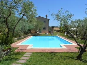 3 bedroom Apartment near Castelfiorentino, Tuscany, Italy