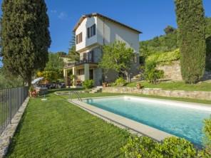 2 bedroom Villa near Greve in Chianti, Tuscany, Italy
