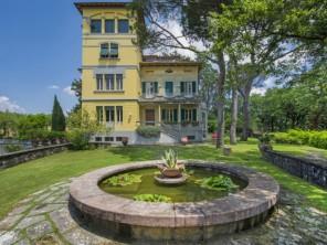 7 bedroom Villa near Arezzo, Tuscany, Italy