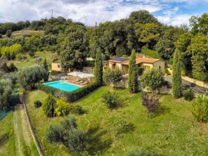 2 bedroom Farmhouse near Monterotondo Marittimo, Tuscany, Italy