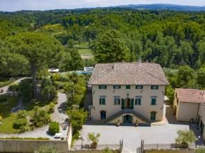 9 bedroom Farmhouse near Crespina Lorenzana, Tuscany, Italy