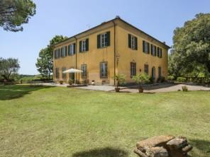 7 bedroom Villa near Crespina Lorenzana, Tuscany, Italy