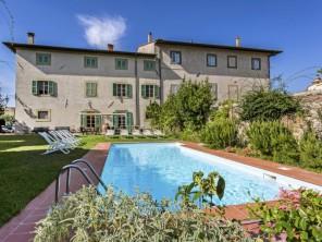 10 bedroom Villa near Casciana Terme, Tuscany, Italy