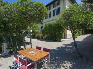 4 bedroom Villa near Quercianella, Tuscany, Italy