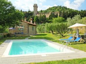 3 bedroom Farmhouse near Cortona, Tuscany, Italy