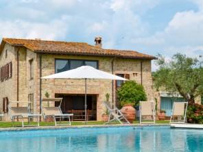 4 bedroom Farmhouse near Collazzone, Umbria, Italy