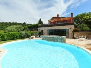 4 bedroom Villa near Passignano sul Trasimeno, Umbria, Italy