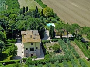 9 bedroom Villa near Perugia, Umbria, Italy