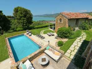5 bedroom Villa near Magione, Umbria, Italy