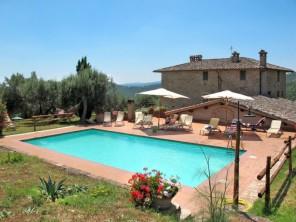 10 bedroom Farmhouse near Lago Trasimeno, Umbria, Italy