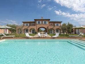 11 bedroom Villa near Tarquinia, Lazio, Italy