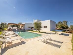 4 bedroom Villa near Carovigno, Puglia, Italy