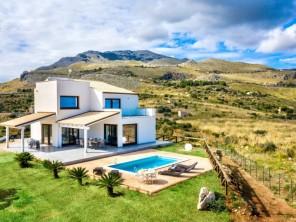 4 bedroom Villa near Castellammare del Golfo, Sicily, Italy