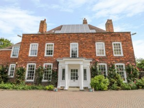 8 bedroom property near Scarborough, Yorkshire, England