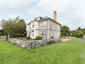 6 bedroom property near Dyffryn Ardudwy, North Wales, Wales