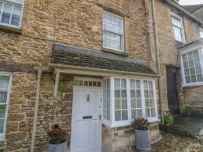 4 bedroom property near Burford, Oxfordshire, England