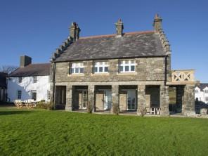 5 bedroom property near Rhoscolyn, North Wales, Wales