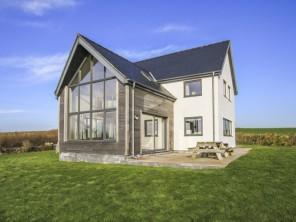 4 bedroom property near Llanfaethlu, North Wales, Wales