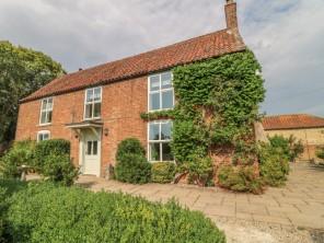 6 bedroom property near Market Rasen, Lincolnshire, England