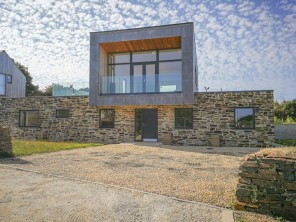 3 bedroom property near St. Agnes, Cornwall, England
