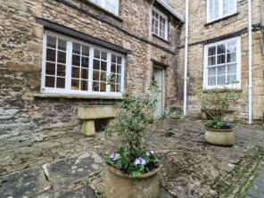 1 bedroom property near Burford, Oxfordshire, England