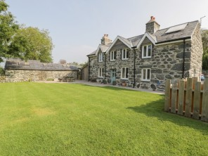 3 bedroom property near Dyffryn Ardudwy, North Wales, Wales
