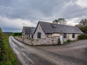 8 bedroom property near Holywell, North Wales, Wales