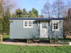 1 bedroom property near Alresford, Hampshire, England