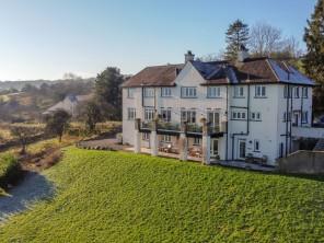 9 bedroom property near Kendal, England