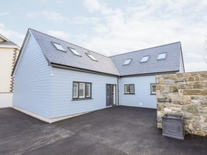 4 bedroom property near Pwllheli, North Wales, Wales