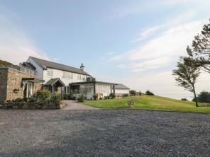 5 bedroom property near Pwllheli, North Wales, Wales
