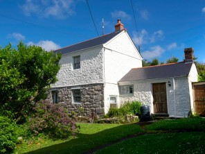 4 bedroom property near Redruth, Cornwall, England