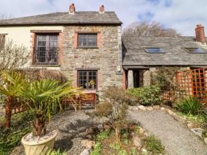 2 bedroom property near Launceston, Cornwall, England