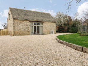 3 bedroom property near Witney, Oxfordshire, England