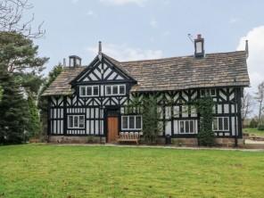 4 bedroom property near Macclesfield, Cheshire, England