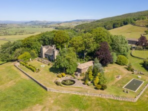 8 bedroom property near Keighley, Yorkshire, England