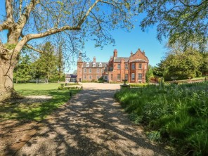 8 bedroom property near Spilsby, Lincolnshire, England