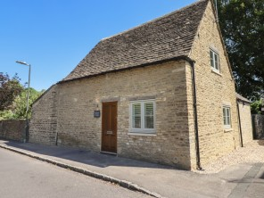 2 bedroom property near Cirencester, Gloucestershire, England